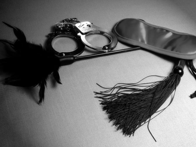 Bondage toys whip mask